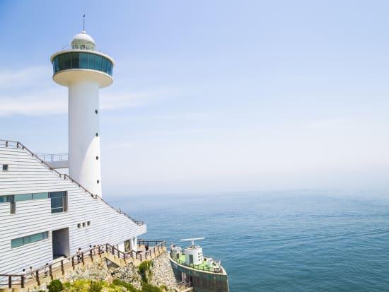 Korea_Busan_Taejongdae lighthouse_太宗台_shutterstock_413181574