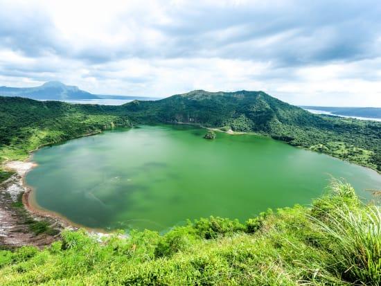 Philippines_Tagaytay_Taal Volcano_shutterstock_276193067