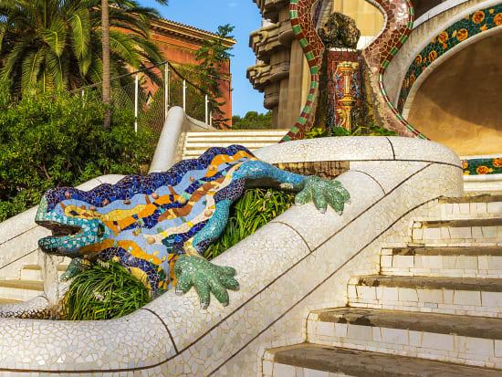Spain_Barcelona_Park_Güell_shutterstock_1019677735