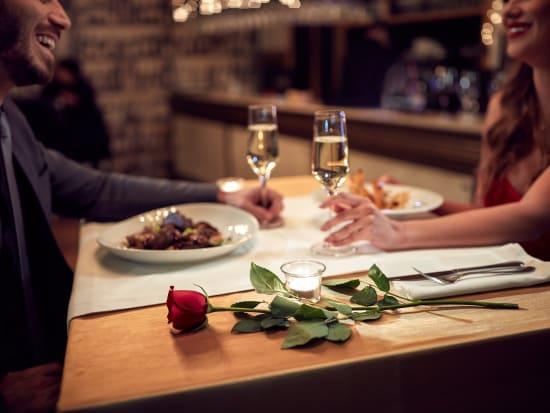 generic_couple-dinner-romance_shutterstock_567010213