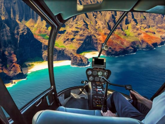 Helicopter_NaPali_123RF_67086817