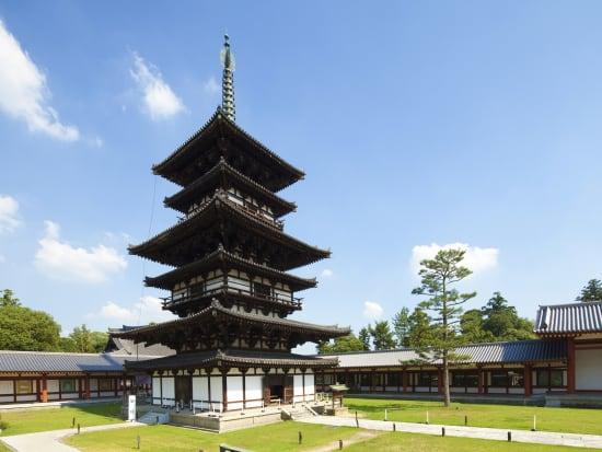 Japan_Nara_Horyuji_shutterstock_209623093
