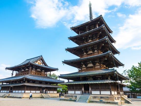 Japan_Nara_Horyu-ji_pixta__66329564