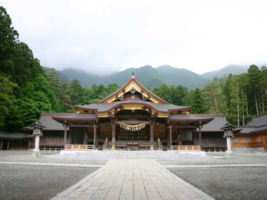 燕三条弥彦神社