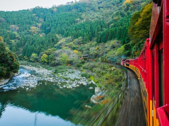 Japan_Kyoto_Arashiyama_Sagano Romantic Train_Summer_shutterstock_733474084
