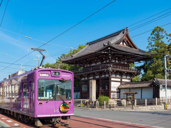 Japan_Kyoto_Randen_pixta_30649668