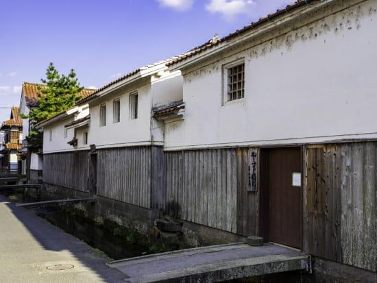 Japan_Tottori_倉吉市打吹玉川伝統的建造物群保存地区_pixta_64455823_M
