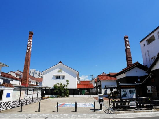 Japan_Hiroshima_西条本町歴史広場(酒蔵通り)_pixta_75427023_M