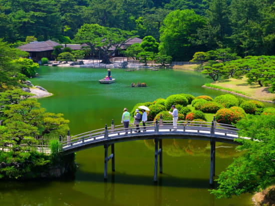 Kagawa_Takamatsu_KuribayashiPark_pixta_23726833_M