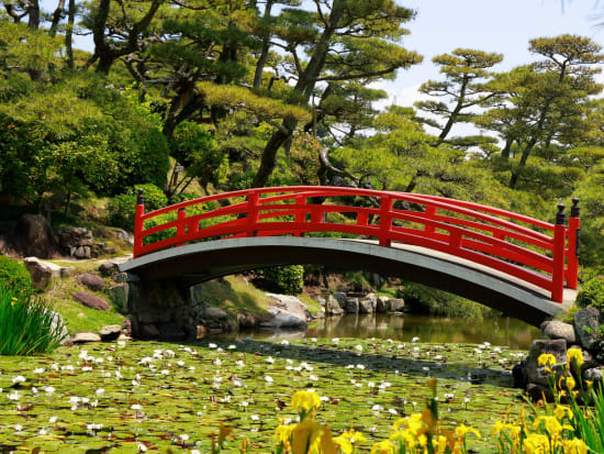 Japan_Kagawa_Nakadu_Bansyoen_pixta_65593118_M
