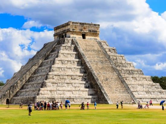 Mexico_chichen itza_shutterstock_548507557