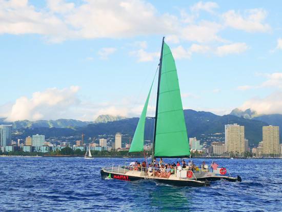 MaiTaiCatamaran_WaikikiSunsetSail_Oahu_Hawaii