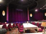 観賞席と舞台です。