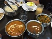 昼食のカレー。日本人向けだそうですが、それでも辛かったです。ラッシーは美味、マンゴーがお勧めです。