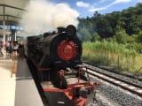昔ながらの蒸気機関車