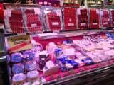 ブレチャ市場のお肉屋さん(生ハム・チーズ)