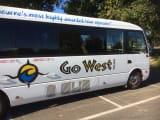 Go West Tours のバス