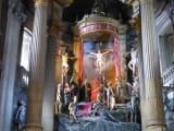 珍しい彫刻のキリスト像