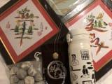 他のお土産も入りこんでますが香港で購入したものです☆