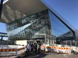ランシターミナル トラムの終着点で、たくさん人が降ります。流れにそって間違うことはないと思います。