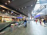 ウィーン中央駅、明るい駅舎です