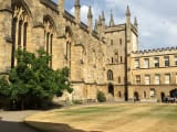 ハリーポッターの撮影に使われた大学の写真です