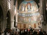 教会で上演されるオペラです