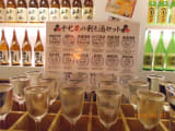 17種の飲み比べ。グラスが並ぶさまはちょっと壮観。