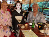 Maiko visiting our table before show