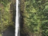 アカカの滝です。水量が多く、迫力がありました。