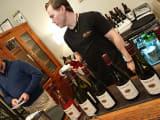 ワインに説明を聞いて試飲6種類