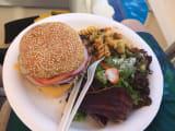 特大ハンバーグ!肉肉しくて美味しかった