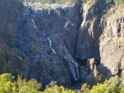 バロン滝(実は乾季は水量が少ない)