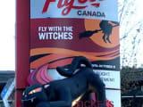 カナダプレイスの入り口にあるチケットセンター。目印