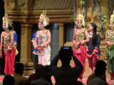 伝統的なアプサラダンスショー