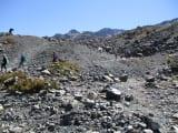 氷河湖へは、徒歩で