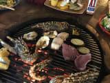 炭火で焼くので香ばしくて美味しかったです。サラダなど副菜食べ放題は嬉しいサービス!