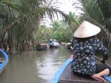小舟でジャングルクルーズ