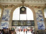 アズレージョがすばらしいサン・ベント駅