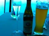 ドイツのビンビールは約2700円(90Dh)