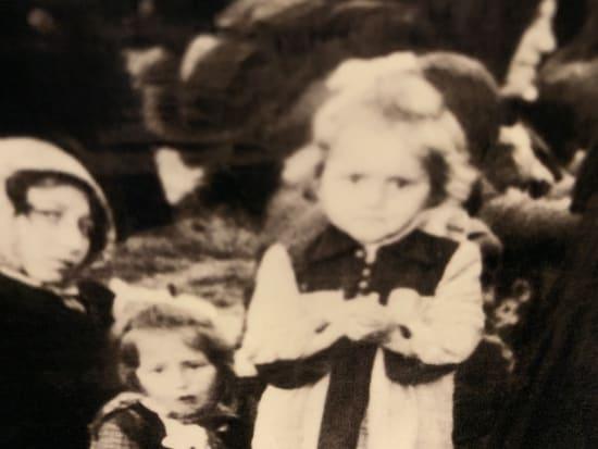 ユダヤ のか は なぜ た 人 され 迫害