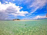 パンダノン島の空と海