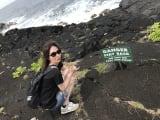 動画でHIDEさんが案内してくれた溶岩の上での1枚です。
